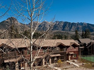Awesome Views - Heated Pool - Free Ski Shuttle - 4th Night Free - Durango vacation rentals