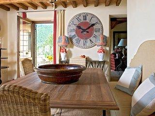 Gorgeous 3 bedroom Pierantonio Villa with Grill - Pierantonio vacation rentals