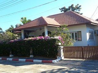 Mae Rampung Beach House at VIP Chain Resort - Rayong vacation rentals