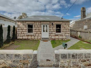 Magnetic Cottage circa: 1860's - Port Fairy vacation rentals