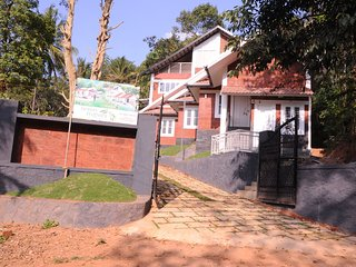 holiday home in the plush green hills with a fogy - Vythiri vacation rentals