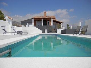 Nice Villa with Hot Tub and Television - Busot vacation rentals