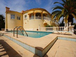 VILLA ARCO IRIS - Calpe vacation rentals