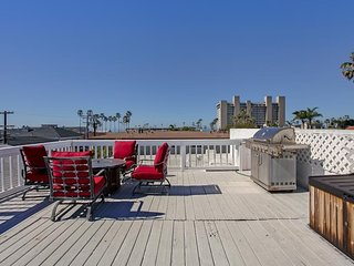 Awesome New 2.5BR 2BT RoofTop walk2all PB SEAVIEW - Pacific Beach vacation rentals