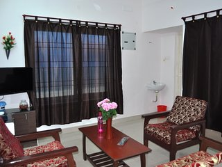 Wonderful Condo with Internet Access and A/C - Tambaram vacation rentals