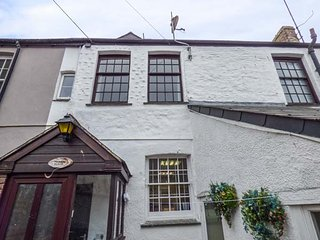 TOSHIERS PLAICE, Grade II listed, private courtyard, pet-friendly, WiFi, in - Mevagissey vacation rentals