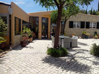 Nice Condo with Internet Access and Patio - Loule vacation rentals