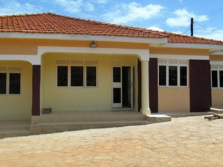 Bright 3 bedroom House in Kampala with Television - Kampala vacation rentals
