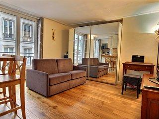 S02040 - Studio 2 personnes Bourse - 1st Arrondissement Louvre vacation rentals