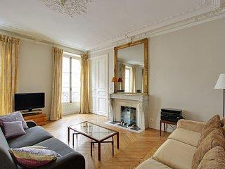 209290 - Appartement 6 personnes Martyrs - Saint G - 18th Arrondissement Butte-Montmartre vacation rentals
