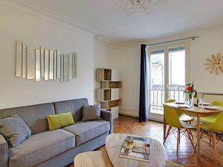 217124 - Appartement 6 personnes Batignolles - Fou - Levallois-Perret vacation rentals