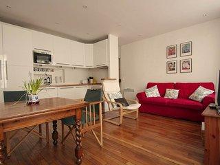 102200 - Appartement 4 personnes Montorgueil - Paris vacation rentals