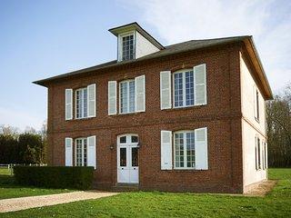 Maison Bourgeoise de 2 étages - Montreuil-l'Argille vacation rentals