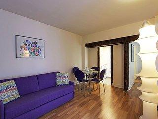 S02402 - Studio 4 personnes Sentier - Bonne Nouvel - Paris vacation rentals