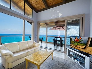 KKSR5304 !! DIRECT OCEAN FRONT, TOP FLOOR, W/LOFT!  BEST CORNER IN COMPLEX! - Kailua-Kona vacation rentals