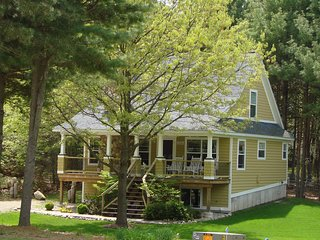 Sliver Lake 5 bedroom Cottage sleeps 12 - Mears vacation rentals