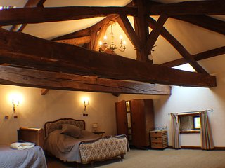 Beautiful 3 bedroom Charroux House with Internet Access - Charroux vacation rentals