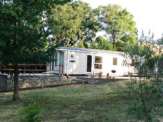 2 bedroom Caravan/mobile home with Satellite Or Cable TV in Greffeil - Greffeil vacation rentals