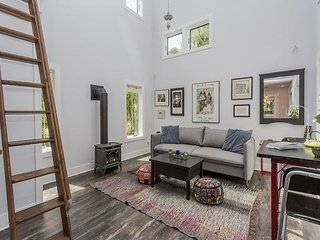 Adorable House in West Seattle - Near Alki Beach, Water Taxi to Downtown - Seattle vacation rentals