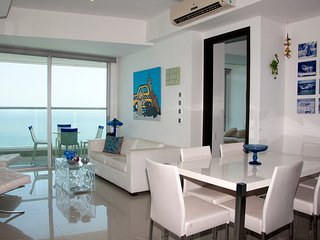 Beautiful 2 Bedroom on the Beach - Cartagena vacation rentals