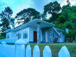 4 bedroom Bungalow with Internet Access in Kandy - Kandy vacation rentals