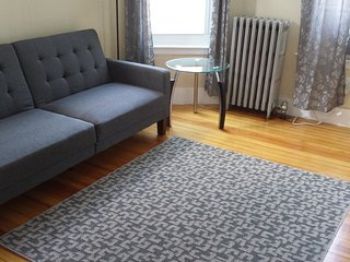 Beautifully renovated first floor 3-4BR! - Salem vacation rentals