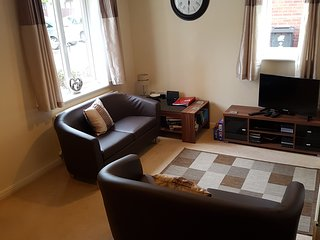 Nice 2 bedroom House in Swindon with Internet Access - Swindon vacation rentals