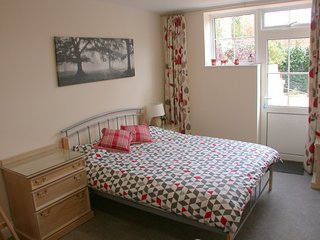 Romantic 1 bedroom Sevenoaks Apartment with Internet Access - Sevenoaks vacation rentals