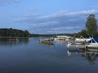 A heavenly oasis on Half Moon lake - Gregory vacation rentals