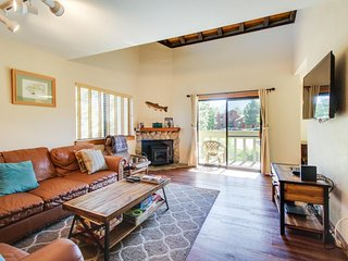 Updated alpine condo w/shared pool, hot tub, & prime location! - Mammoth Lakes vacation rentals