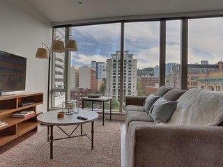 Gorgeous, dog-friendly downtown Portland condo w/ city views! - Portland vacation rentals
