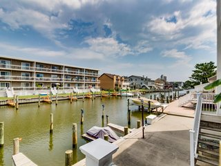 Charming, family-friendly condo with a private dock on the bay! - Ocean City vacation rentals