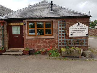 Home from Home. The Cosy Bothy - Kirriemuir vacation rentals