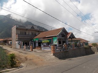 Villa / Homestay Balqis Near Bromo Mountain - Probolinggo vacation rentals