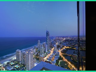 3bed lvl 61 Luxury Skyhome Circle - Surfers Paradise vacation rentals