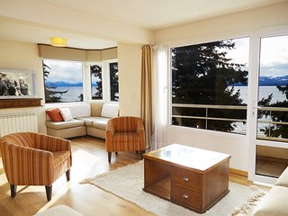 3 BEDROOM LAKEFRONT APT IN DOWNTOWN BARILOCHE! - San Carlos de Bariloche vacation rentals