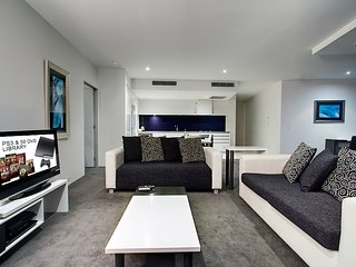 1 bed level 52 Hinterland view Heart of Surfers - Surfers Paradise vacation rentals