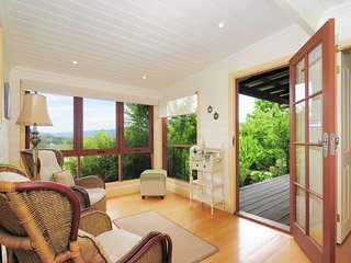 Romantic 1 bedroom Kangaroo Valley House with A/C - Kangaroo Valley vacation rentals