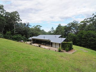 Comfortable House with DVD Player and Microwave - Kangaroo Valley vacation rentals