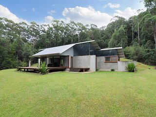 Comfortable 2 bedroom Kangaroo Valley House with DVD Player - Kangaroo Valley vacation rentals