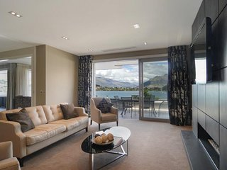 Spacious House with Internet Access and Parking - Queenstown vacation rentals