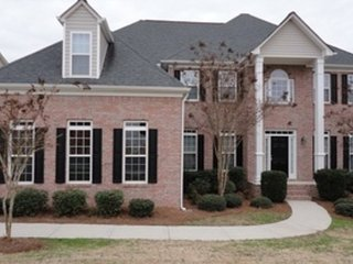 Spacious House with Internet Access and Fireplace - Atlanta vacation rentals