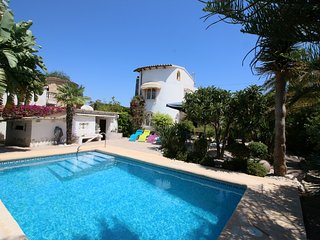 Comfortable 3 bedroom World Villa with Television - World vacation rentals