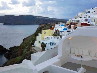 Blue Villas |The Captain's Cave| Cave Villa in Oia - Oia vacation rentals