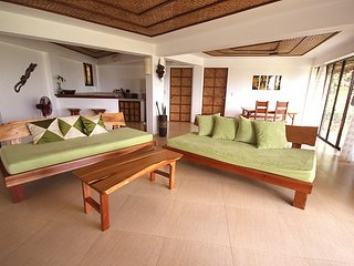 2 bedroom House with Housekeeping Included in Malay - Malay vacation rentals