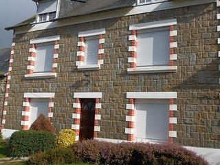 Grande Maison avec cour fermée à 10 mns de la mer - Lamballe vacation rentals