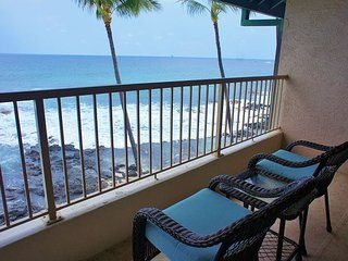 Direct Ocean Front Kona Reef A32, Walk to Town, AC, - Kailua-Kona vacation rentals