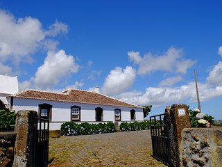Charming and Typical Azorean House. - Praia da Vitória vacation rentals