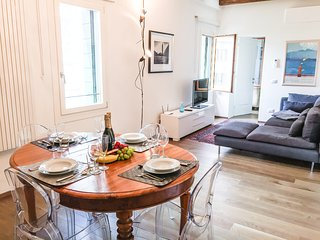 Ca Farnese awsome big & sunny apt - trad. area - Venice vacation rentals