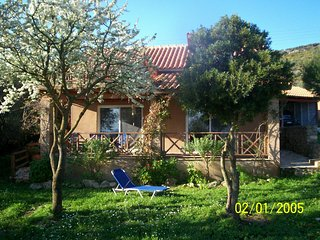 Villa Julia - Holiday rustic summer cottage - Vasilikos vacation rentals